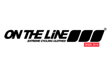 Om The Line Uniformes